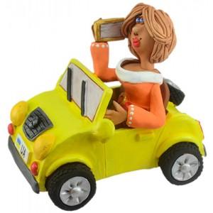 """Статуэтка """"Женщина за рулем с мобильным телефоном"""""""
