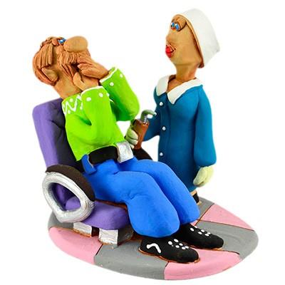 """Статуетка """"На прийомі в стоматолога в кабінеті №3"""""""