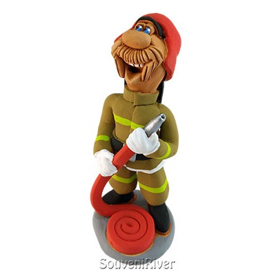 "Статуетка ""Пожежник з пожежним рукавом"""