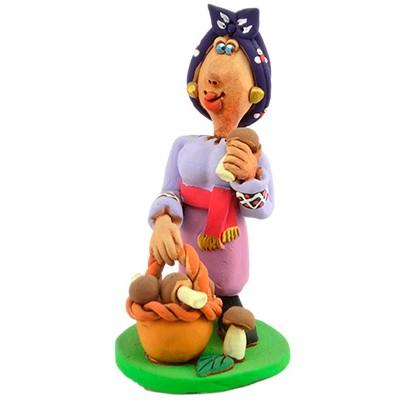 """Статуетка """"Козачка з грибами"""""""