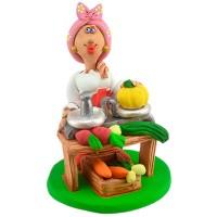 """Статуетка """"Козачка торгує овочами"""""""