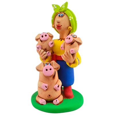 """Статуетка """"Козачка зі свинкою та поросятками"""""""