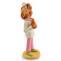 """Статуетка """"Медсестра зі спринцівкою"""""""