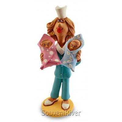 """Статуетка """"Акушерка з двома немовлятами"""""""